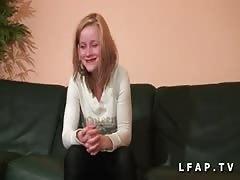 Premiere sodo pour une jeune etudiante