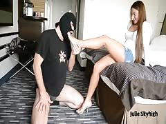 A slave to Julie skyhigh feet (footlicking & facesitting)