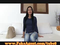 FakeAgent Amateur model gets creampie in casting