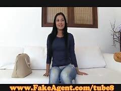 FakeAgent Amateur model gets creampie in casting