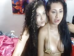 2 Girls tease on cam for u