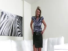 Stunning MILF slut is performing a great deep blowjob for Fake Agent